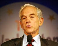 VIDEO:  Ron Paul Appears to Suffer Stroke Live On-Air